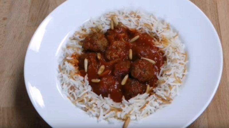 тефтели +с подливкой в томатном соусе